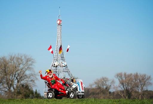More than 500 kilometers in a pedal car