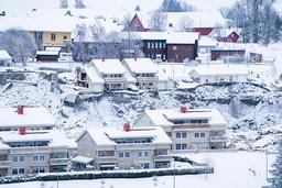 Natt til 30. desember tok et stort kvikkleireskred med seg flere hus fra boligfeltet Nystulia i Gjerdrum. Ti personer omkom i skredet, og over 1.000 personer ble evakuert fra hjemmene sine. Arkivfoto: Håkon Mosvold Larsen / NTB