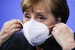 Tysklands statsminister Angela Merkel er som mange andre ledere i verden lettet over at Joe Biden tar over som USAs president. Foto: Hannibal Hanschke / Pool via AP / NTB
