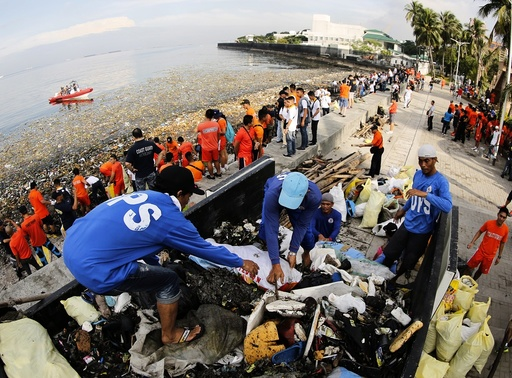 International Coastal Clean-up Day at the shore of Manila Bay