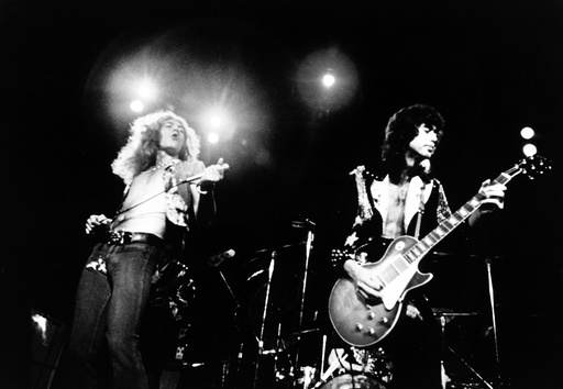 THE SONG REMAINS THE SAME, Robert Plant and Jimmy Page of Led Zeppelin, 1976