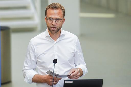 Oslo 20200623.  Kommunal- og moderniseringsminister Nikolai Astrup presentere hovedtrekkene i stortingsmeldingen om innovasjon i offentlig sektor på Startuplab i Forskingsparken. Foto: Fredrik Hagen / NTB