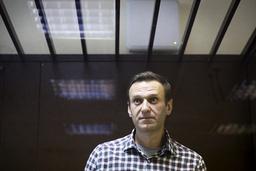 Fengselsmyndighetene mener at Aleksej Navalnyj får den hjelpen han trenger i straffekoloni nr. 2 i Pokrov, drøyt åtte mil nordøst for Moskva. Her er Navalnyj under et rettsmøte i februar. Arkivfoto: AP / NTB