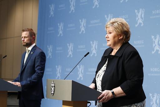 Statsminister Erna Solberg og helse- og omsorgsminister Bent Høie på pressekonferanse i forbindelse med koronapandemien. Foto: Terje Pedersen / NTB scanpix