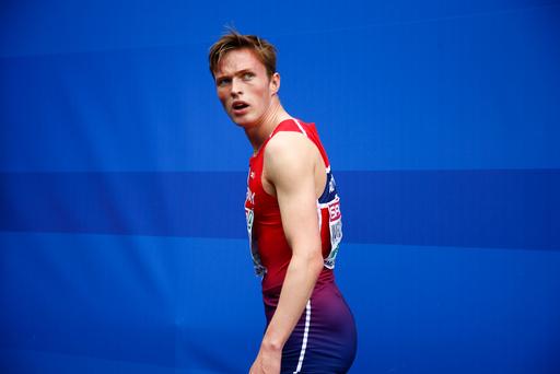 Karsten Warholm er misfornøyd etter og ha kommet på 6 plass i 400 meter hekk finalen under EM i friidrett i Amsterdam fredag.