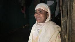 Nasima Khatun, som møtte nyhetsbyrået AP i en flyktningleir i Bangladesh, sier hun ikke vet hvordan det går med sønnen sin. Foto: Shafiqur Rahman / AP / NTB