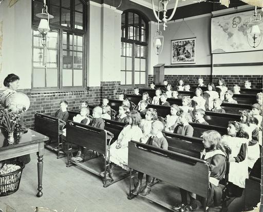 Geography lesson, Denmark Hill School, Dulwich, London, 1905. Artist: Unknown.