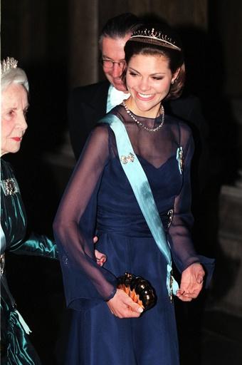 Kronprinsessan Victoria och prinsessan Lilian.