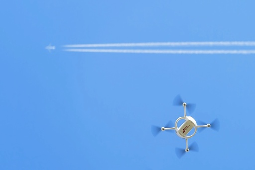 Swiss Post Servicer delivers parcels with drones