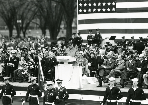 General MacArthur, Rueckkehr aus Koreakri - -
