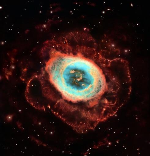 Ring Nebula M57, Hubble image