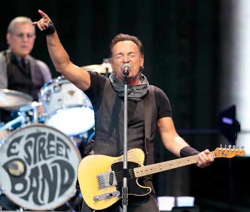 Bruce Springsteen under konserten på Ullevaal Stadion i Oslo onsdag kveld.