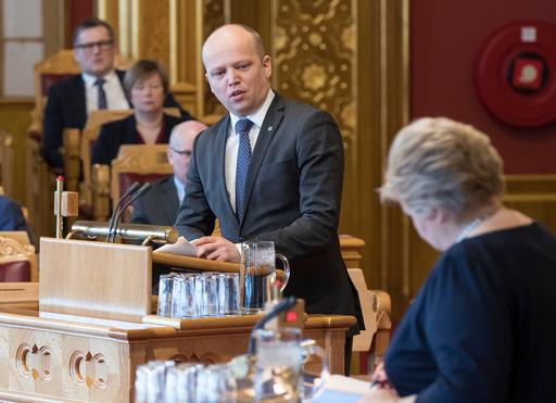 Statsminister Erna Solberg deltar i den muntlige spørretime i Stortinget.