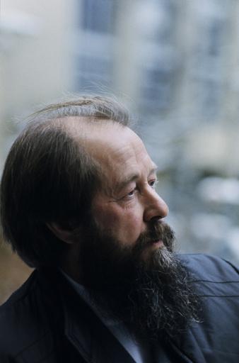 Solschenizyn in der Schweiz / Foto - A.Solzhenitsyn, portrait, Switzerland / photo 1975 - A. Soljenitsyne en Suisse / 1975.