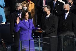 Kamala Harris avla eden som senator onsdag ettermiddag. Foto: Erin Schaff/The New York Times via AP/NTB