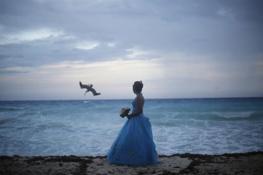 Wider Image: Earthprints: Cancun