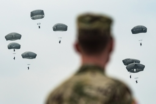 Parachutists train in Upper Palatinate