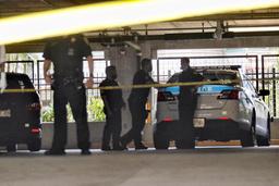 Antallet drap i USA økte kraftig i 2020. Her har politiet sperret av et område etter et drap på Hawaii. Foto: Jamm Aquino/Honolulu Star-Advertiser via AP / NTB