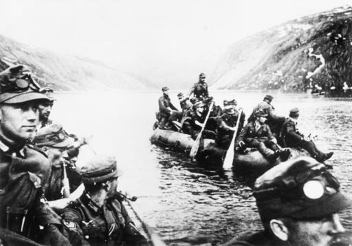 Norwegen 1940/dt.Soldaten in Booten... - Norway / 1940 / German soldiers in boats -