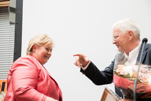 Trygve Hegnar kåret statsminister Erna Solberg til Norges mektiske kvinne i Kapitals kåring onsdag kveld..