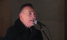 Bruce Springsteen var først ut av artistene som spilte under feiringen. Rockelegenden spilte «Land of Hope and Dreams». Foto: Bidens innsettelseskomité / AP / NTB
