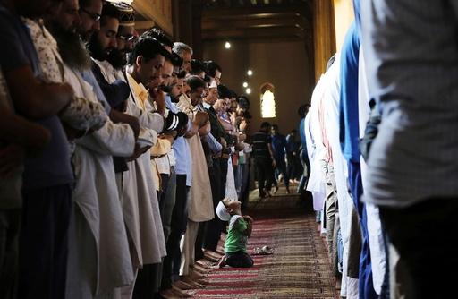 Indian Kashmir Muslims celebrate Ramadan