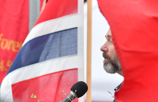 Trond Giske holder hovedtalen i Verdal 1.mai.