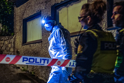 Politiet gjør undersøkelser for å finne ut om det er en savnet 24-åring som er funnet død. 24-åringen ble meldt savnet søndag kveld. Foto: Marit Hommedal / NTB