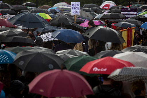 Kvinnefronten arrangerer mandag kveld en støtte demonstrasjonen for Andrea Voldum etter at tre menn i juli ble frikjent i for gjengvoldtekt i den såkalte Hemsedal-saken.