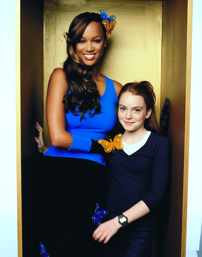 LIFE-SIZE, Tyra Banks, Lindsay Lohan, 2000, (c)Walt Disney Television/courtesy Everett Collection