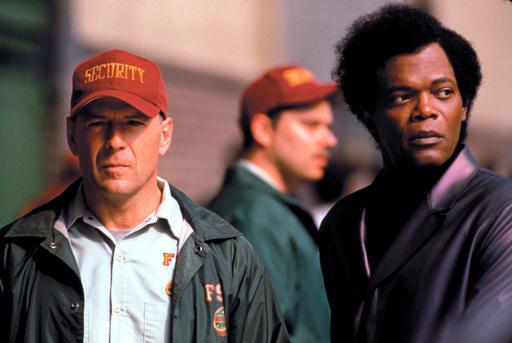UNBREAKABLE, Bruce Willis, Samuel L. Jackson, 2000