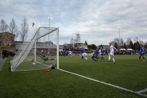 Fotball: Løten - Vålerenga (1-4)