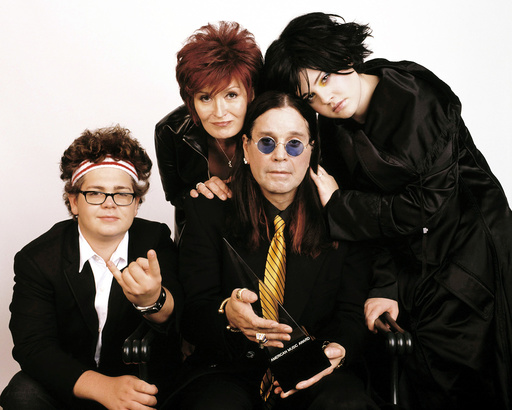 AMERICAN MUSIC AWARDS 2003, Hosted by The Osbournes (Jack Osbourne, Sharon Osbourne, Ozzy Osbourne,