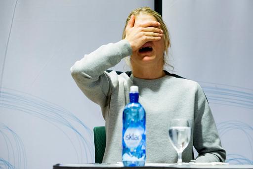 Langrennsløper Therese Johaug på pressekonferansen etter at det ble kjent at hun er tatt for doping.