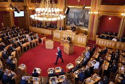 Statsminister Jonas Gahr Støre (Ap) var mandag i Stortinget for å legge fram regjeringens tiltredelseserklæring. Foto: Ole Berg-Rusten / NTB