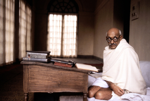 GANDHI, Ben Kingsley, 1982. (c) Columbia Pictures/ Courtesy: Everett Collection.