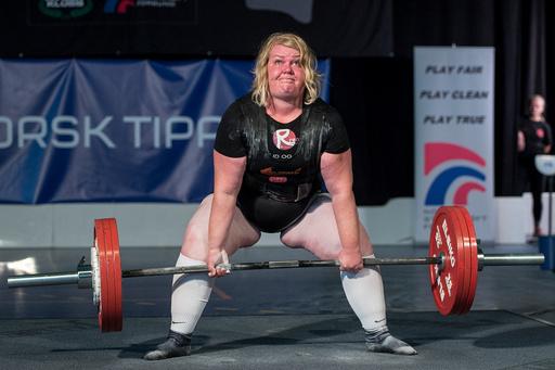 NM-veka 2018: Lene Thorén i aksjon i øvelsen markløft under NM i styrkeløft for kvinner i Sandneshallen.