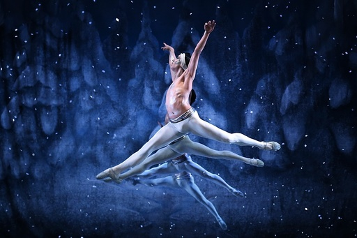 The Nutcracker ballet and Tchaikovsky's music revive the Christmas spirit in Chile
