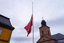 Søndag er det sørgegudstjeneste i Kongsberg kirke etter angrepet i Kongsberg onsdag. Foto: Terje Bendiksby / NTB