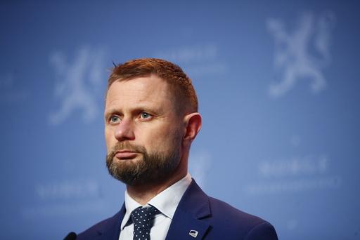 Helse- og omsorgsminister Bent Høie (H) på onsdagens pressekonferanse. Foto: Terje Pedersen / NTB