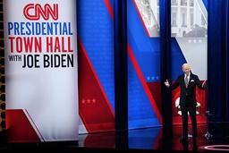 President Joe Biden er lei av å snakke om forgjengeren i Det hvite hus. Foto: AP / NTB