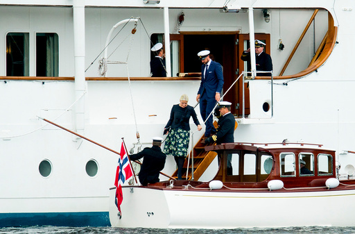 Det norske kongeparets 25-årsjubileum.