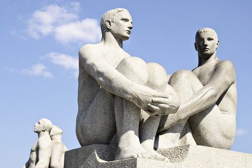 Statuer fra Vigelandsparken, to par, menn, Oslo.