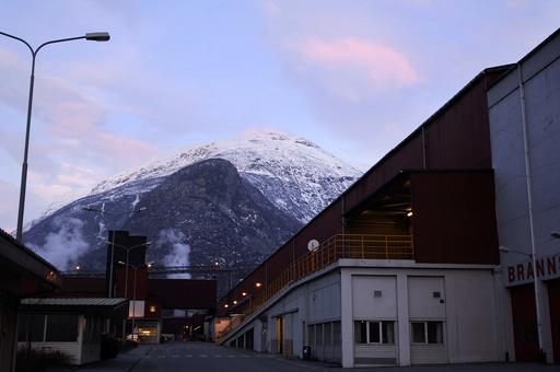 Et større smitteutbrudd på Årdal har gjort at Helse Førde onsdag registrerte sitt høyeste smittetall siden starten av pandemien. Foto: Marit Hommedal / NTB.