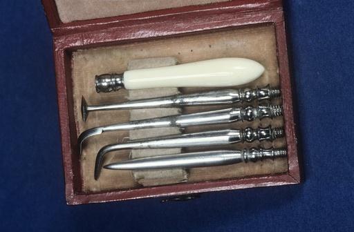 Dental hygiene set, circa 1820