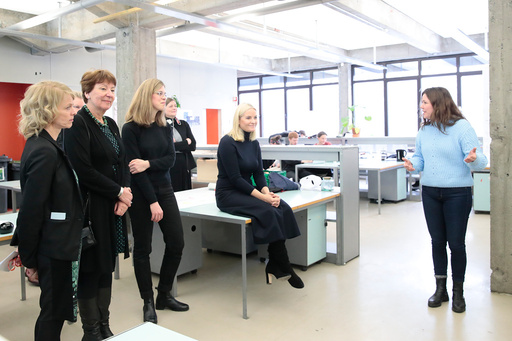 Kronprinsesse Mette-Marit besøker Arkitektur- og designhøgskolen