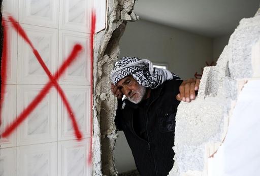 Israel demolishes homes of 2 Palestinians, accused of killing 5 Israelis