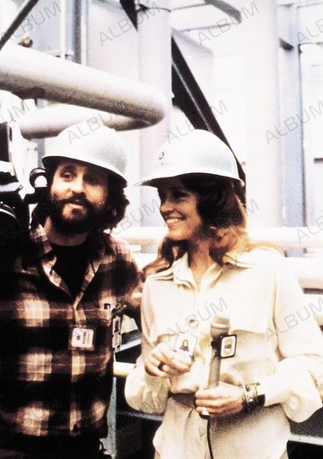 CHINA SYNDROME, THE (1979), directed by JAMES BRIDGES. MICHAEL DOUGLAS; JANE FONDA.